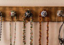 31 Creative Jewelry Display Ideas You Can Try