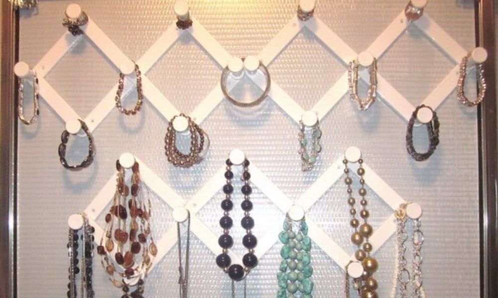 Accordion Hooks For Jewelry Organizing