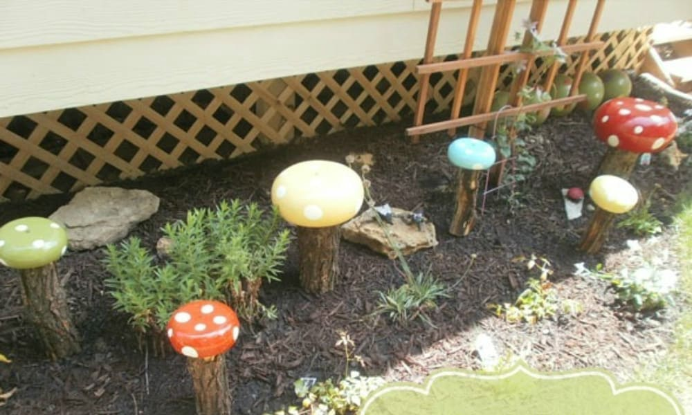 DIY Garden Decor Whimsical Toadstools