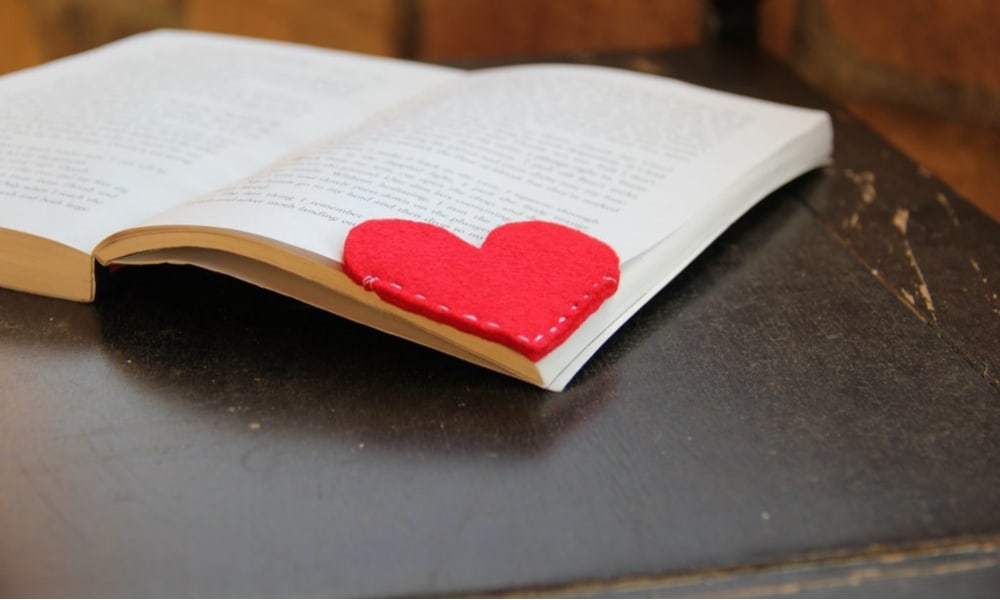 Heart-shaped bookmark