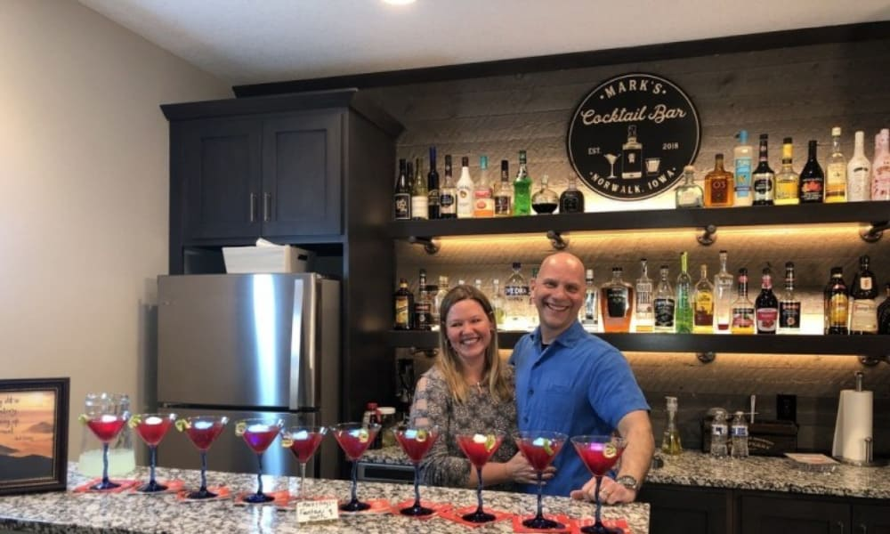 How to Host a Couples Cocktail Contest Party