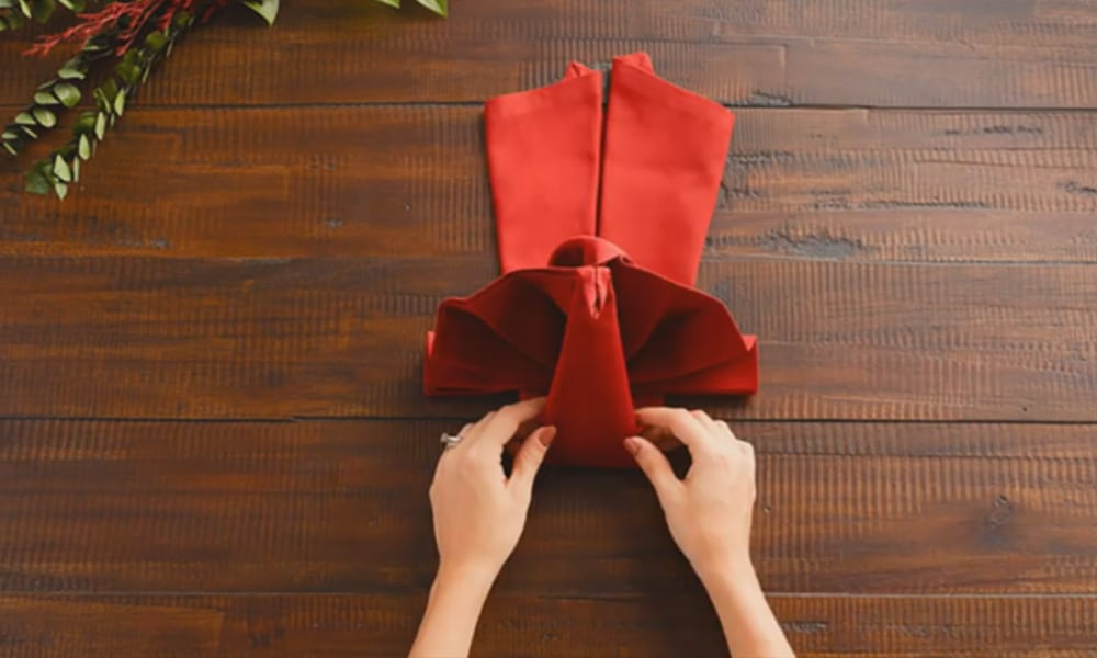 Turkey Napkin-Folding Tutorial