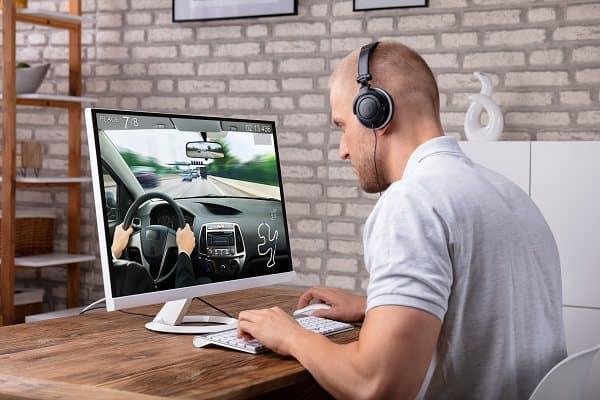 An Adjustable DIY Gaming Desk