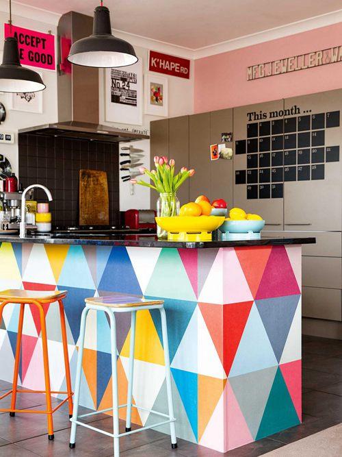Colourful and Unique Kitchen Bar Ideas