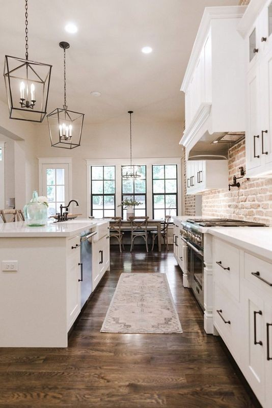 11.Traditional Solid Wood Kitchen