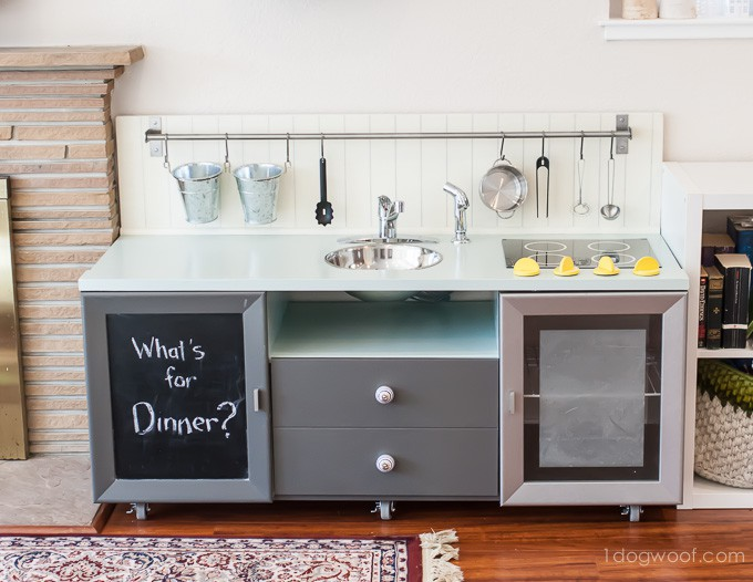 12. Deluxe Style Play Kitchen