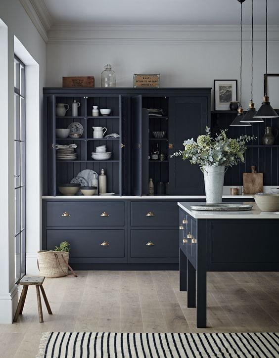 17.Black Painted Kitchen