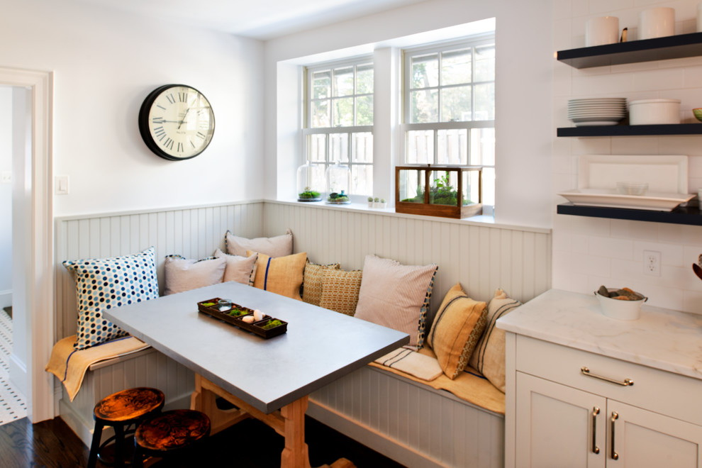 18.Traditional Kitchen Nook