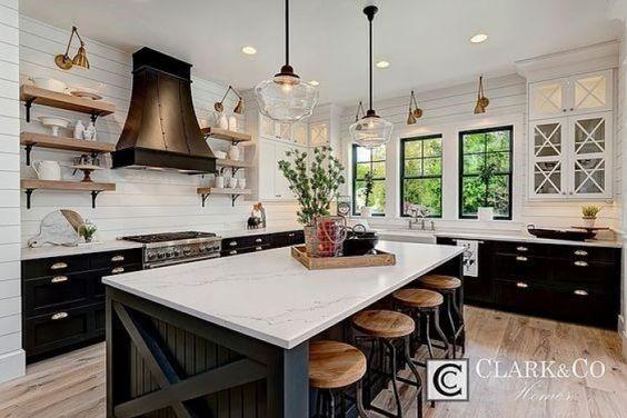 19.Modern Farmhouse Kitchen Design