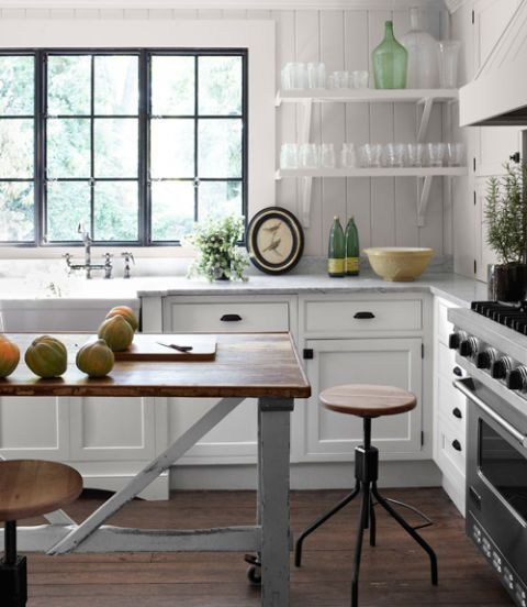 24. Country Style Kitchen Countertop Design