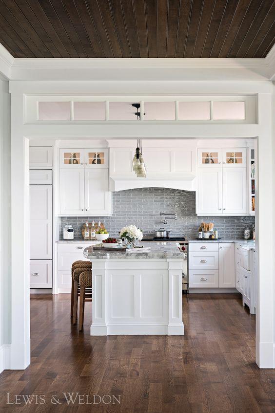 25.Single and Classic Kitchen Design