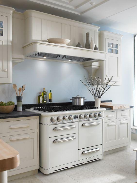 26.Luxury Bespoke Kitchen