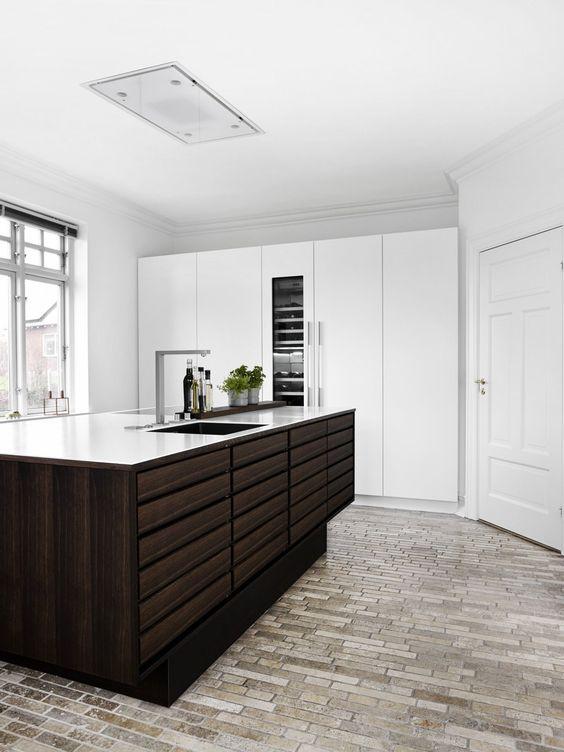 29.Solid Wood Kitchen Idea