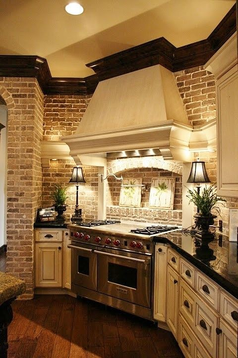 32. Southern Tuscan Kitchen Design