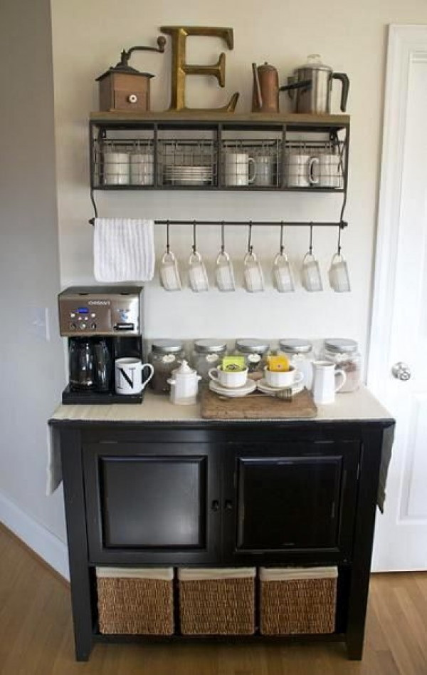 32.COFFEE BAR AND STORAGE STATION