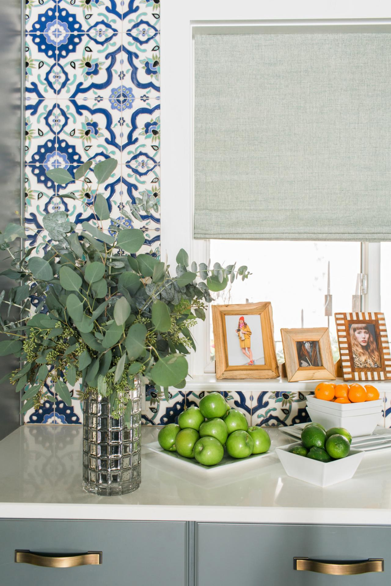 5. One Of A Kind Family Photo Countertop Design