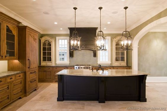 7.Artistic Tuscan Kitchen Design