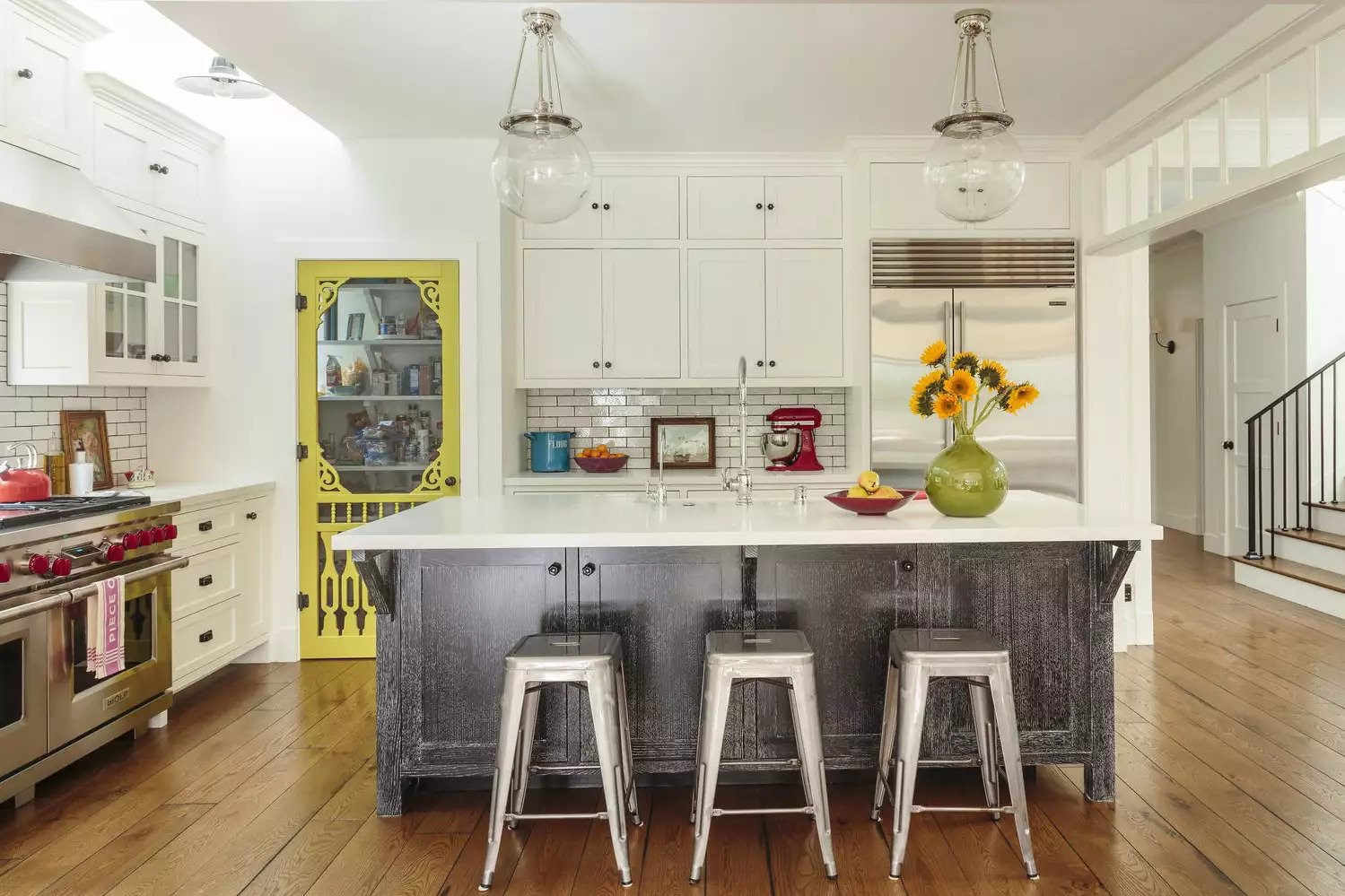 8. Use Colorful Antiques To Revive Your Kitchen Countertop