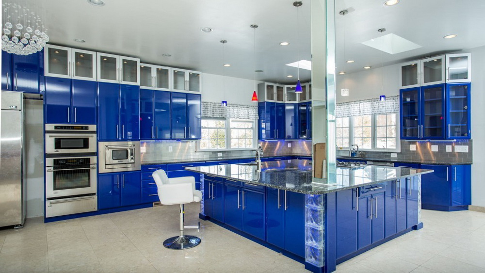 9.Bright Blue Kitchen Island With Marble Countertops