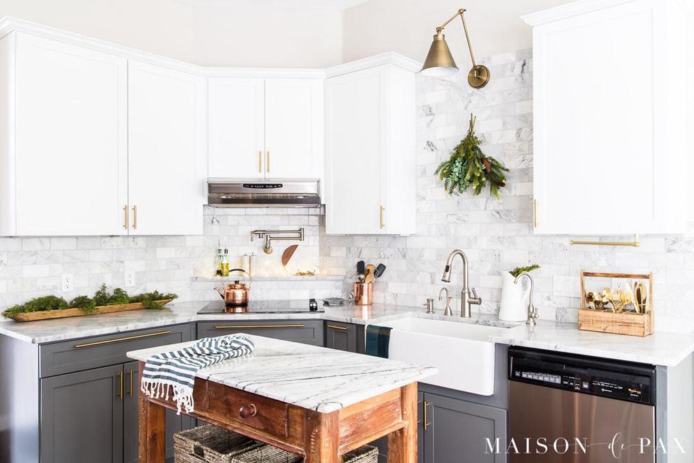 10. Simple Copper Kitchen Decor