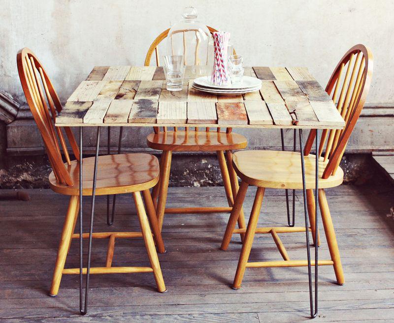 13. Wood Pallet Table DIY