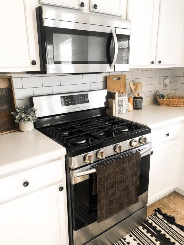14. DIY Kitchen Makeover With Peel & Stick Wallpaper