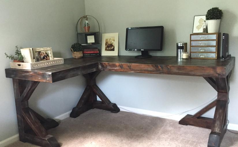 17. DIY Rustic Style Corner Desk