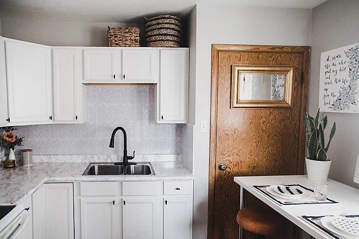 19. DIY Budget Rental Kitchen Makeover