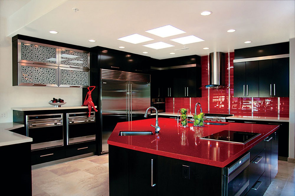 2. Red And Black Kitchen Decor