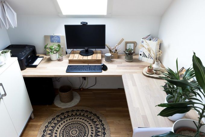 21. Corner Desk Office DIY