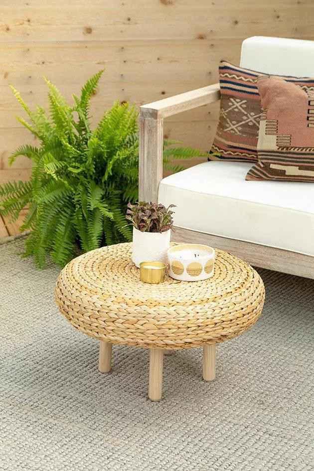 23. Cute Coffee Table
