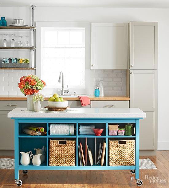 24. Classic DIY Kitchen Island