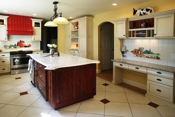 3. Modern Kitchen With Farmhouse Feel