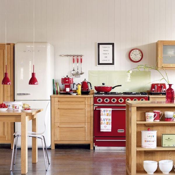 3. Stunning Red Kitchen Decor