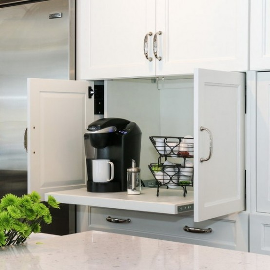 30. Pull-out Cabinet With Door