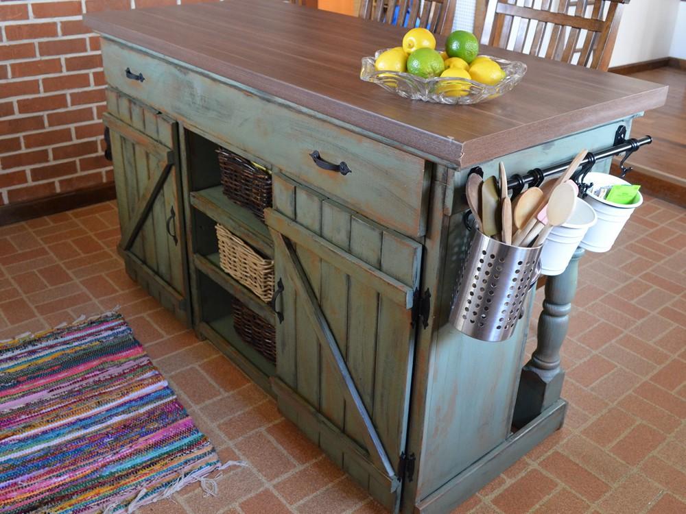 5. DIY Farm House Kitchen Island