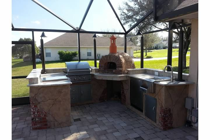 5. DIY Outdoor Kitchen With Pizza Oven