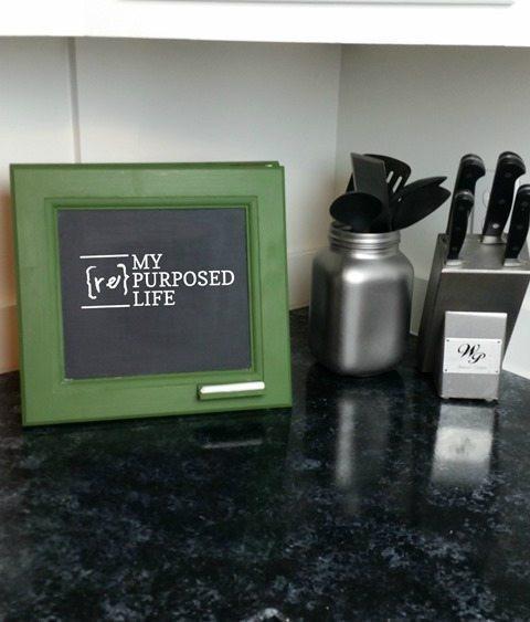 6. DIY Small Chalkboard Easel