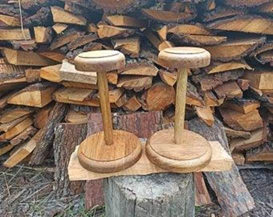 10. Wooden Wig Stand