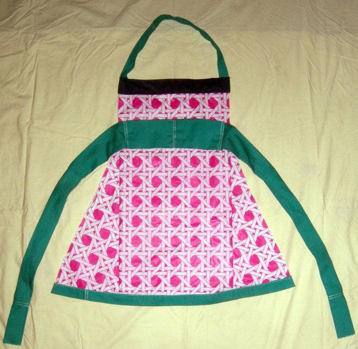 11. Waterproof Table Cloth Apron DIY
