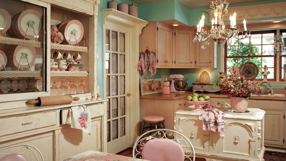 13. Pink Vintage Kitchen Decor Idea