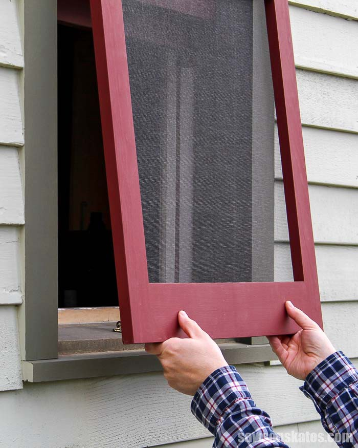 13.wood-window-screen-frame-1