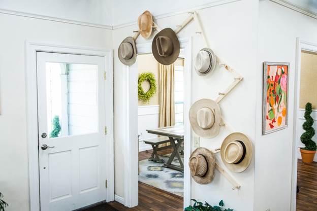 17-Fancy-Family-Hat-Rack-DIY