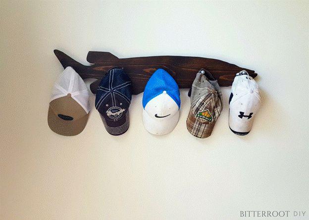 18-DIY-Muskie-Hat-Rack