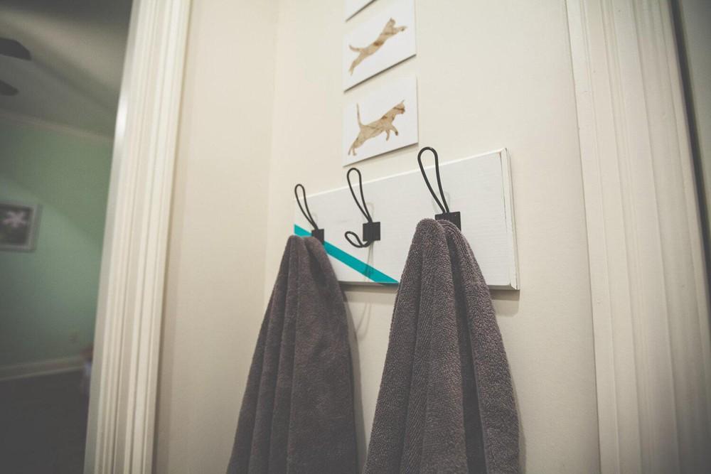 2. Simple DIY Towel Rack