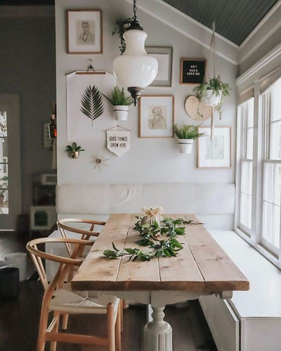 20. Stunning Breakfast Nook Idea