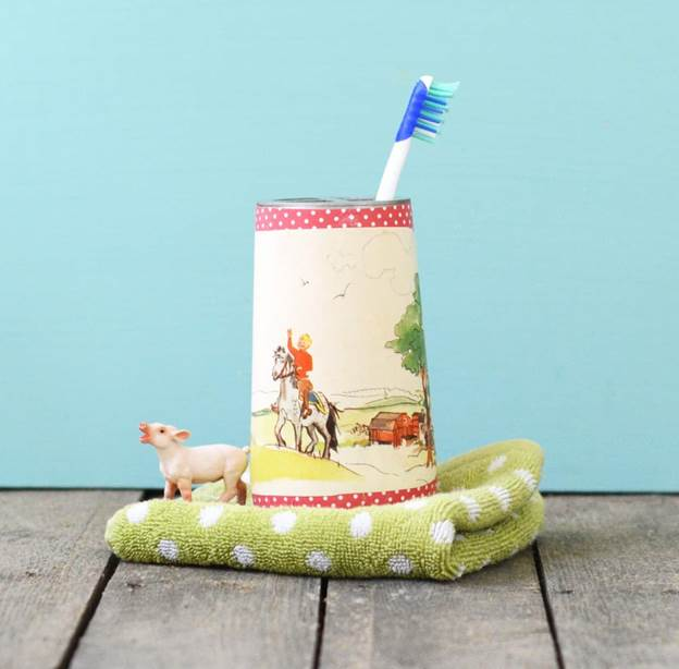 21. Upcycled Toothbrush Holder DIY
