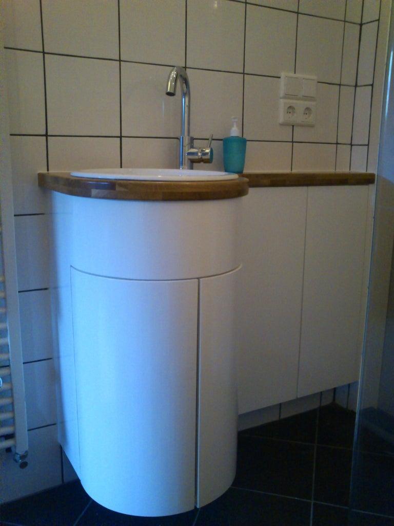 22. Modern Style Bathroom Cabinet DIY