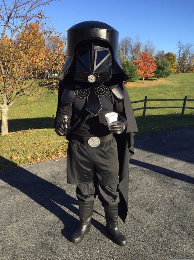 23. Star Wars Dark Helmet DIY