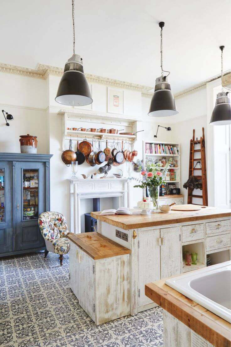 25. Retro Style Kitchen